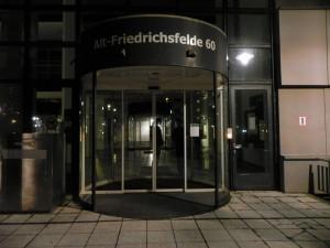 PforteLandeswahlleitung-AltFriedrichsfelde60_VolksbegehrenTempelhoferFeld_Jan2013