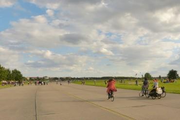Ich bin Tempelhofer und steh dazu, dass der Flughafen mit Feld so bleibt wie er ist.
